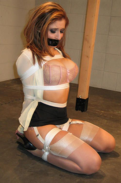 Pantyhose body briefer
