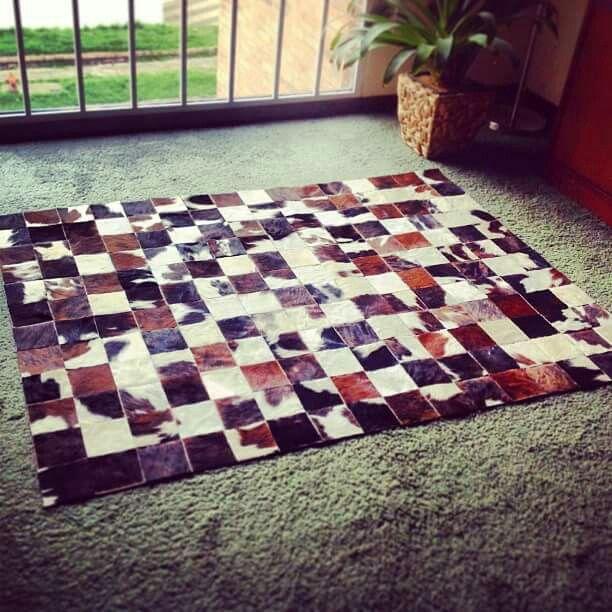 tapete retazos cuero pelo productos en cuero pinterest. Black Bedroom Furniture Sets. Home Design Ideas