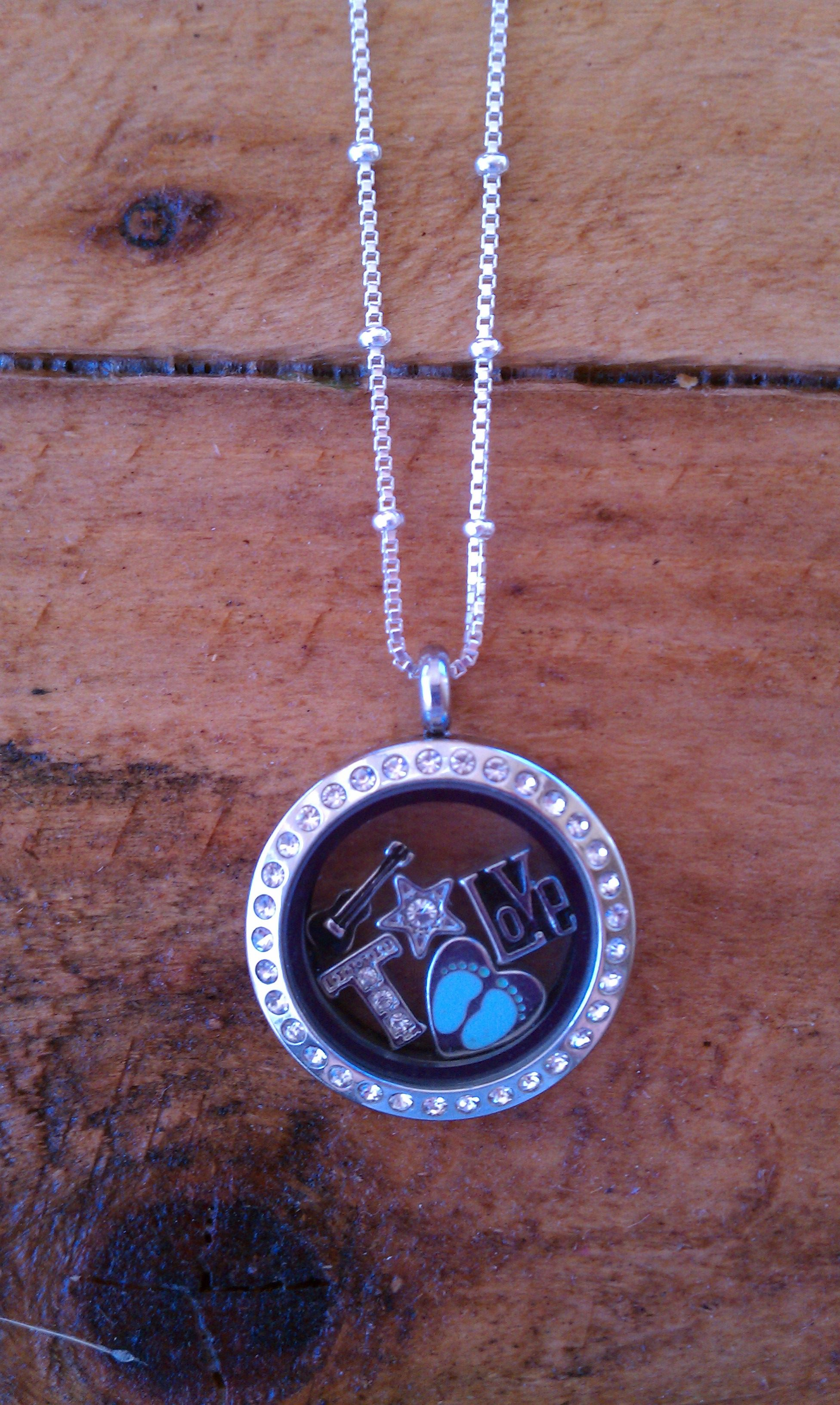message someone new holds sea how is a custom valuable glass connected if gift and or products it show with each lockets from person to you their keep inside img locket wear resonates bracelet