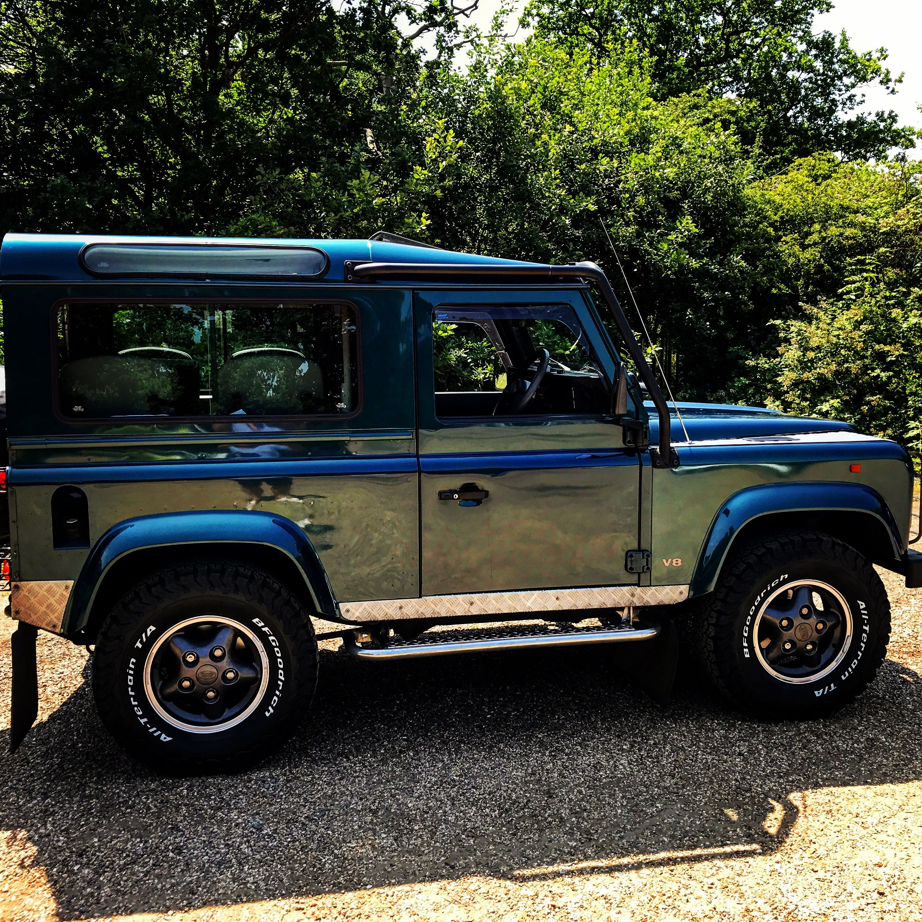 real edition motors defender dsc land pickup rover vehicle landrover of crewcab specter tires d excellence