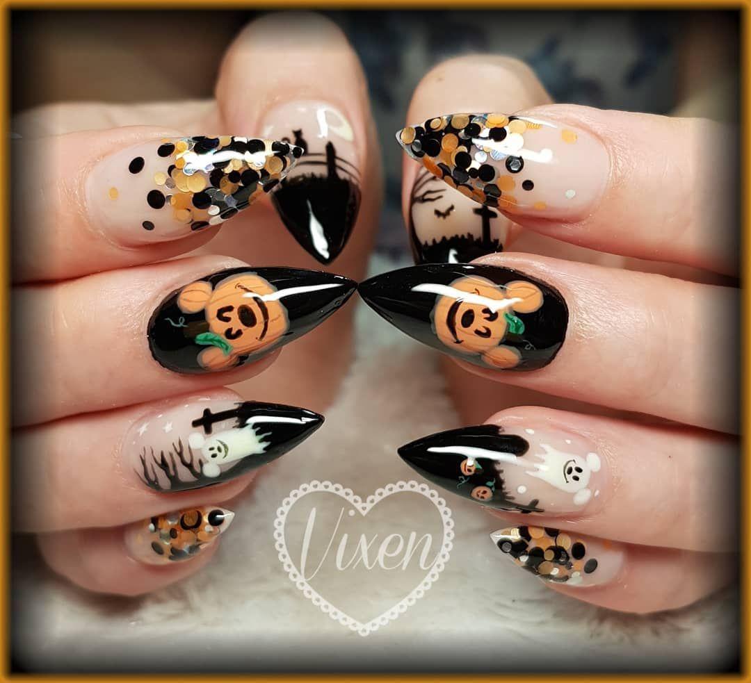 Vicky Monahan On Instagram Disney Halloween Nails Vixennailsbyvicky Halloweennails Disney Disneynail Disney Halloween Nails Halloween Nails Disney Nails