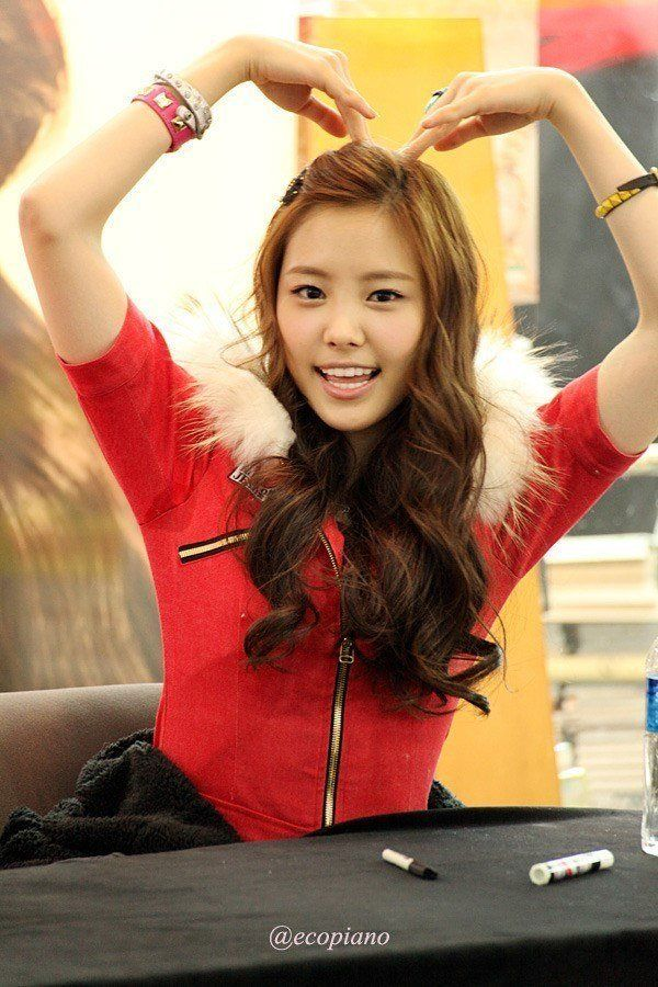 11 Sweaty K Pop Armpits You Ll Wish You Never Saw Armpits Sweaty Idol