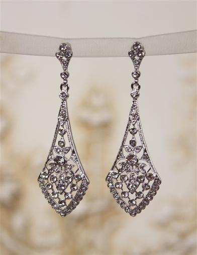 Vintage Inspired 1930s Costume Jewelry   Chandelier earrings, Art ...