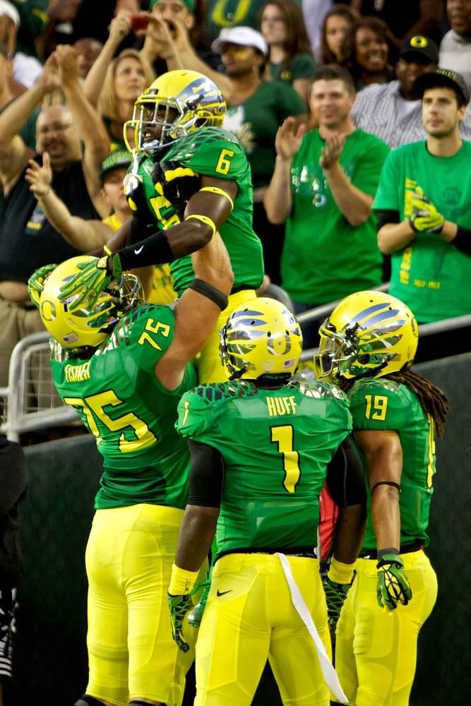 Ducks Running Back De Anthony Thomas 6 Celebrates Oregon
