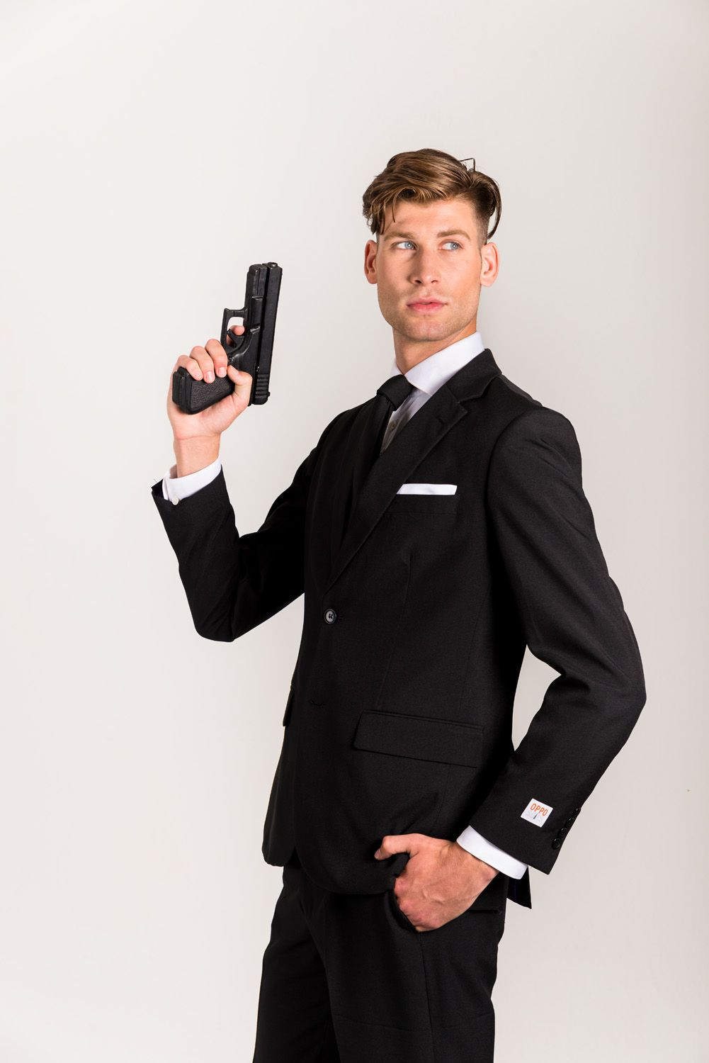 creative diy james bond halloween costume with opposuits' black