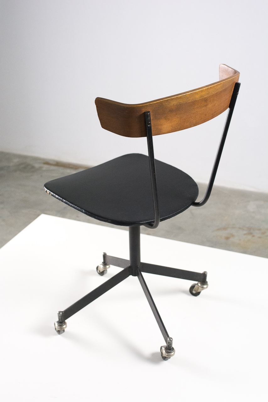 Clifford Pascoe 1960 S Swivel Desk Chair Sold By Kader Design Amsterdam Muebles