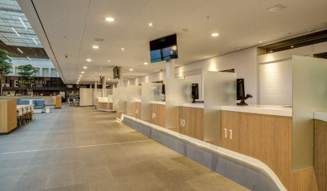Schitterend interieur met himacs solid surface voor het for Interieur utrecht