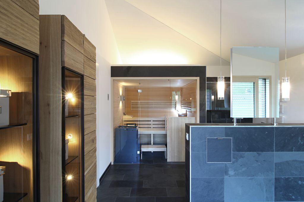 Eingebaute Sauna im Wellness Badezimmer   Villa   Pinterest ...