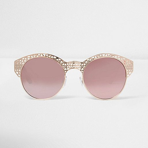 Gold half frames Rose mirror lenses Frame detail Filter category 2 Complies with EN ISO 12312-1:2013 / EN ISO 12311: 2013 Protects against UVA/ UVB