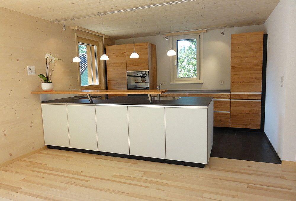 Chalet Valbella von Go Interiors GmbH Andermatt - küche eiche rustikal
