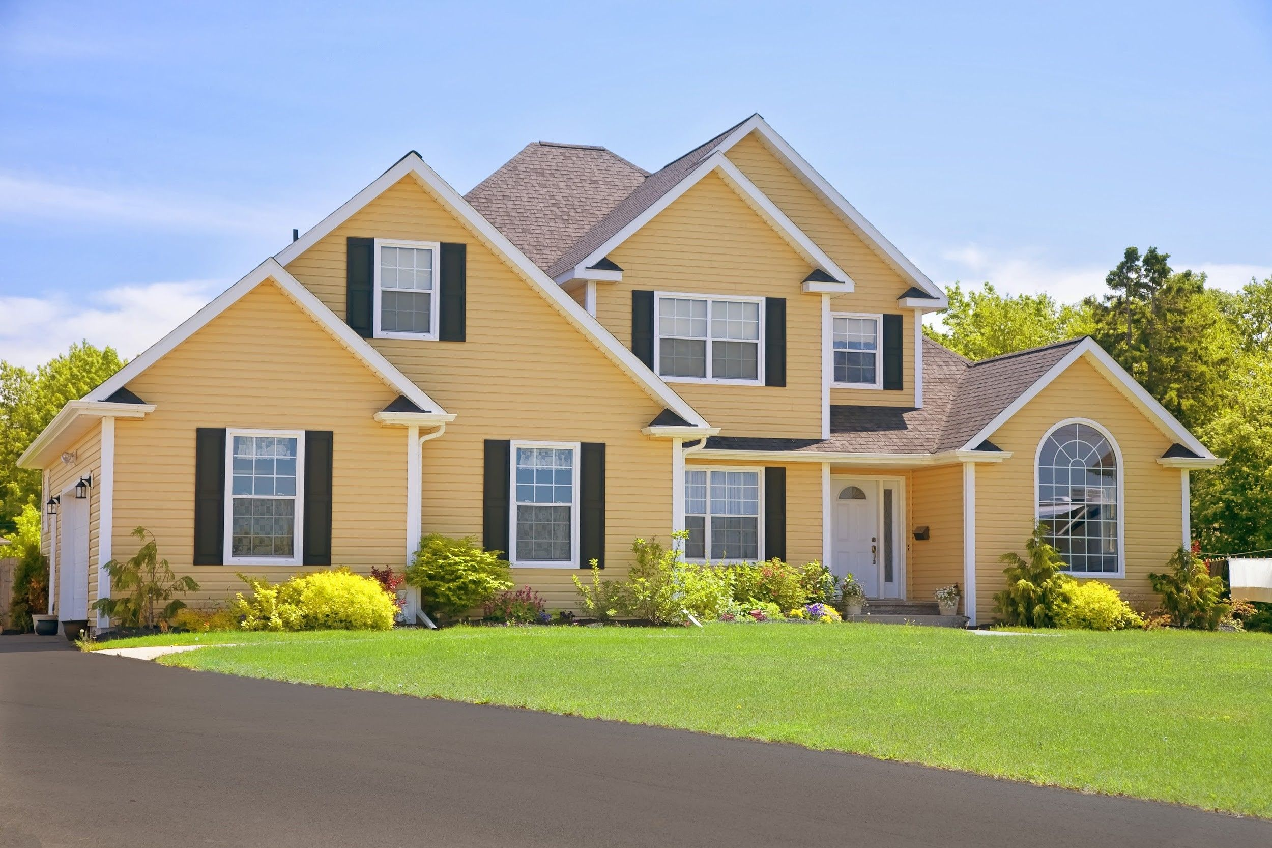 Did You Know That Vinyl Siding Has The Ability To Withstand High Winds And Resist Heat Cold And Moist In 2020 Home Improvement Loans Home Renovation Loan Vinyl Siding