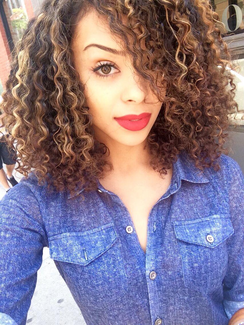 Blonde Curly Hair Natural Pintura Highlights Devachan Salon