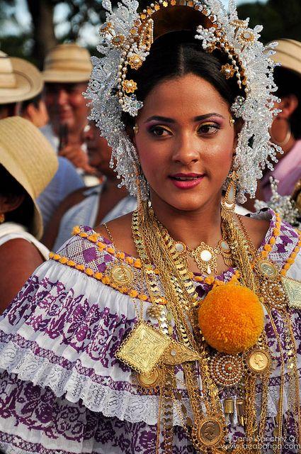 Arreglo de pollera | La Pollera de Panama | World, Culture ...