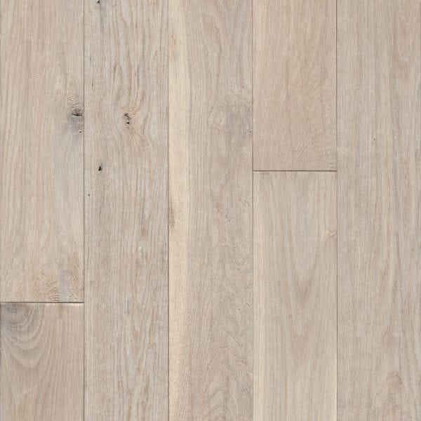 Bruce Hardwood Flooring Signature Scrape Collection Snow Peak Oak 3 1 4 In 2020 Solid Hardwood Floors Oak Hardwood Flooring Hardwood Floors