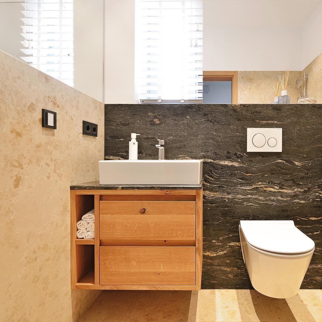 Gastebad Mit Wildem Massivholz Naturstein Bathroom Vanity Vanity Single Vanity