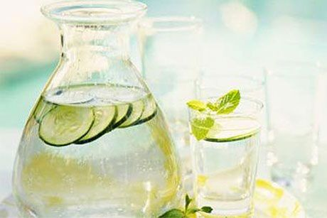 SASSY WATER  •2 liters water (about 8 ½ cups)  •1 teaspoon freshly grated ginger  •1 medium cucumber, peeled and thinly sliced  •1 medium lemon, thinly sliced  •12 small spearmint leaves