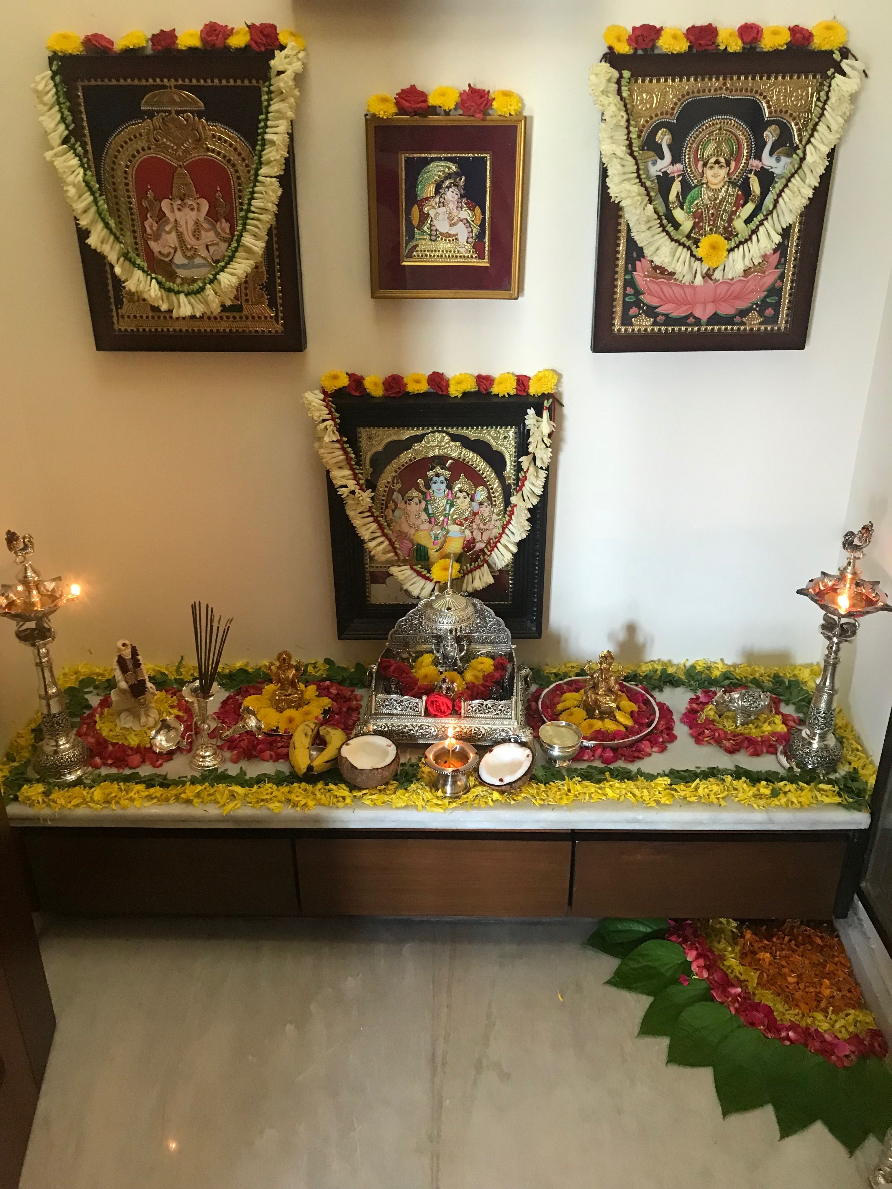 Pooja Room Traditional Indian Home Decoration In 2019 Pooja Room