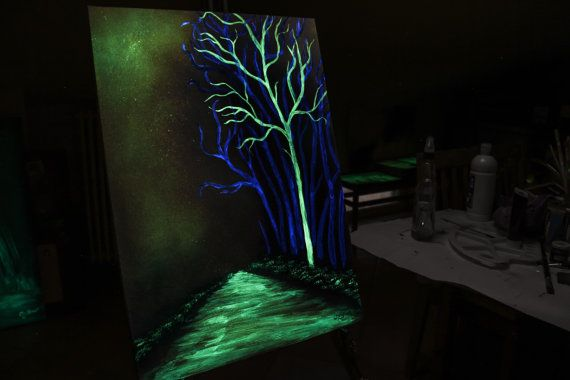 Vintage glow in the dark paint