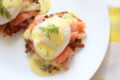 Potato Latkes Benedict / 29 Miraculous Foods To Make For Hanukkah (via BuzzFeed)