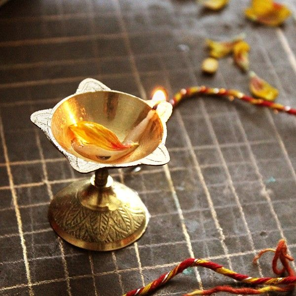 Lampe A Huile Indienne Dipak Products I Love Pinterest Fete