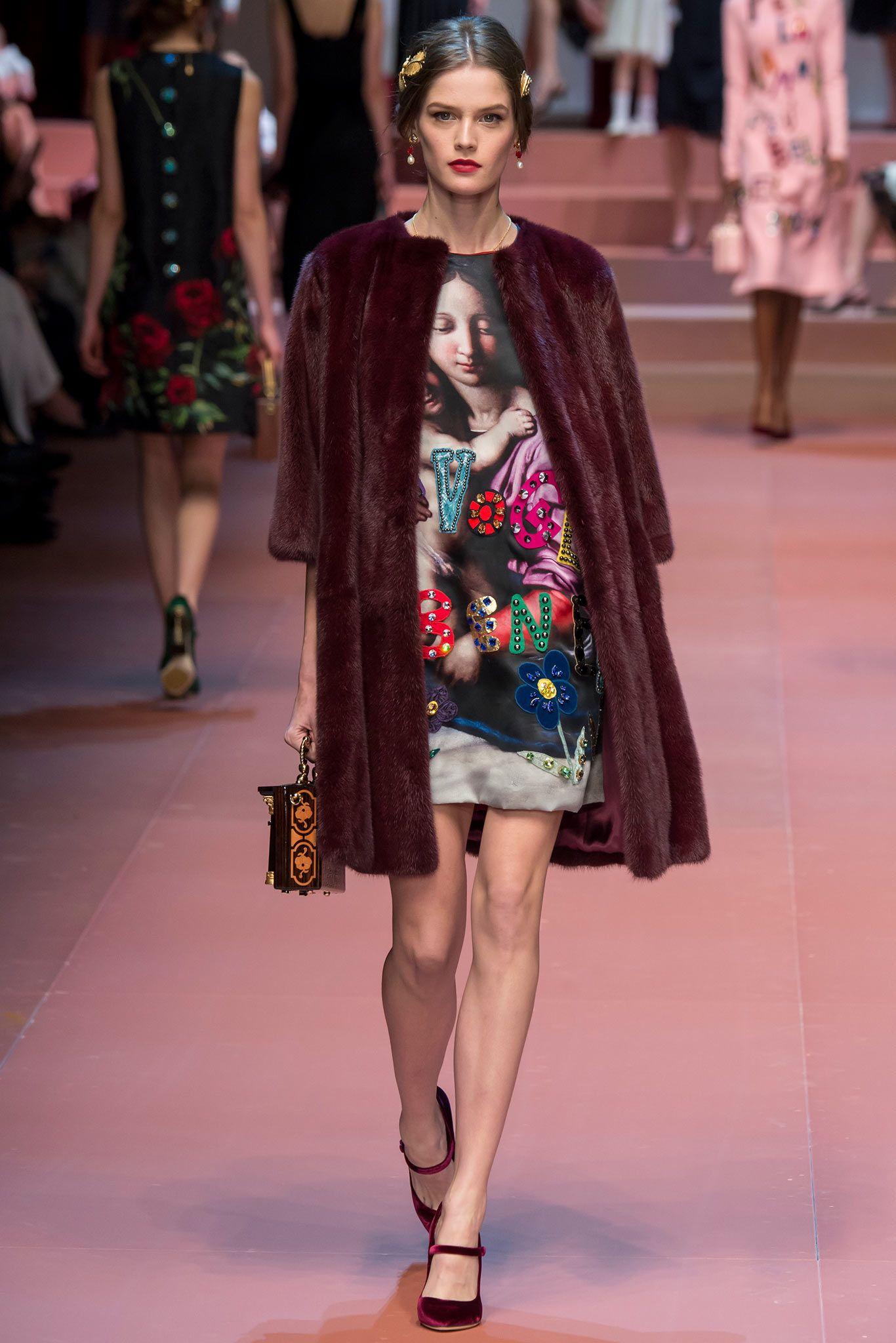 Dolce   Gabbana Fall 2015 - Winter 2016  d6bd647355a