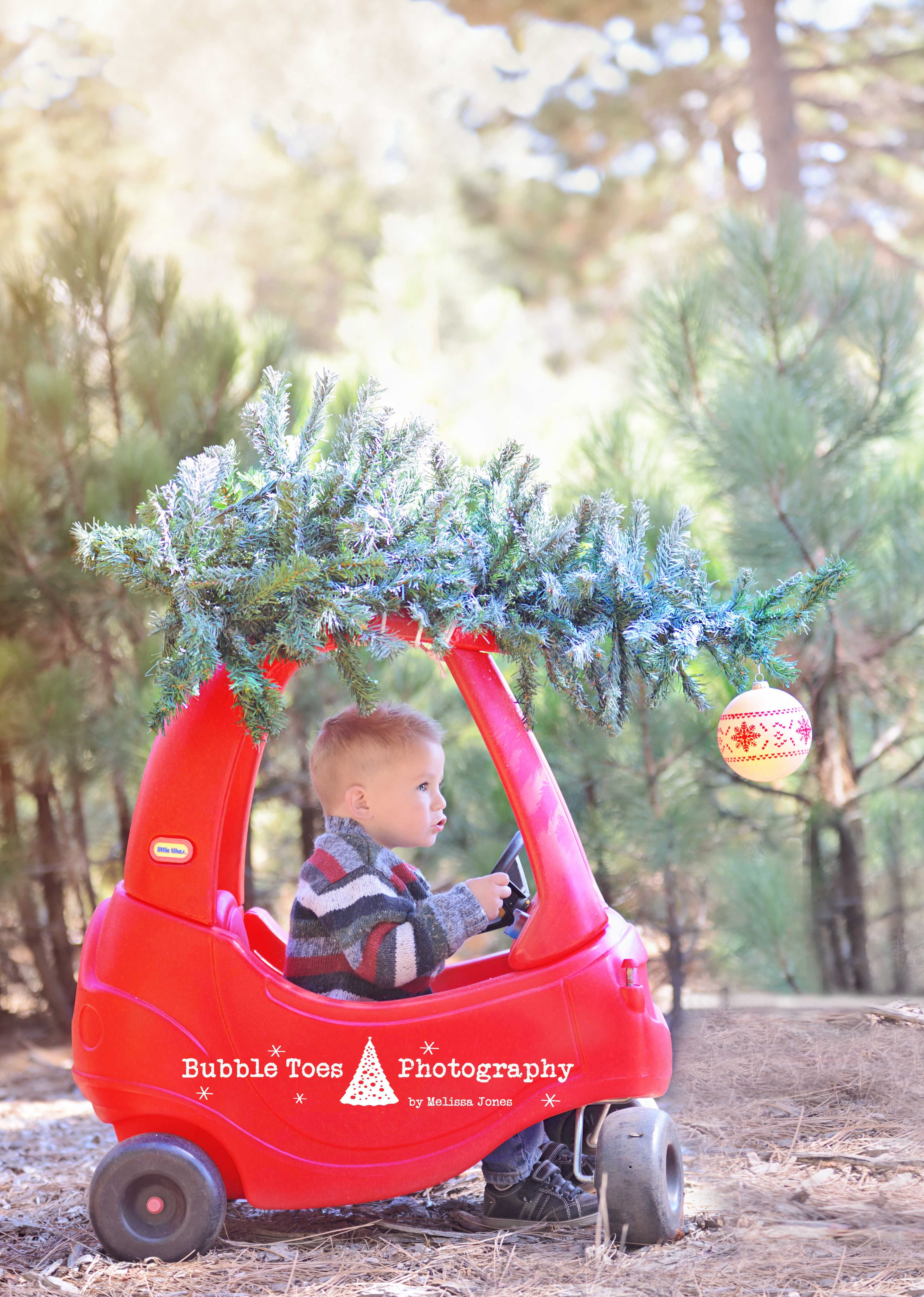 christmas car with tree on top cozy coupe diy wwwbubbletoesphotographycom mini sessions