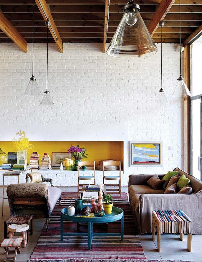 Keltainen talo rannalla: Rustiikkia, värejä ja kesätunnelmaa
