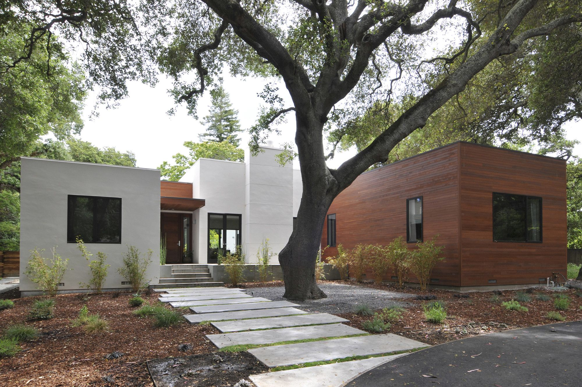 Residencia en menlo oaks ana williamson architect for Casa minimalista granada