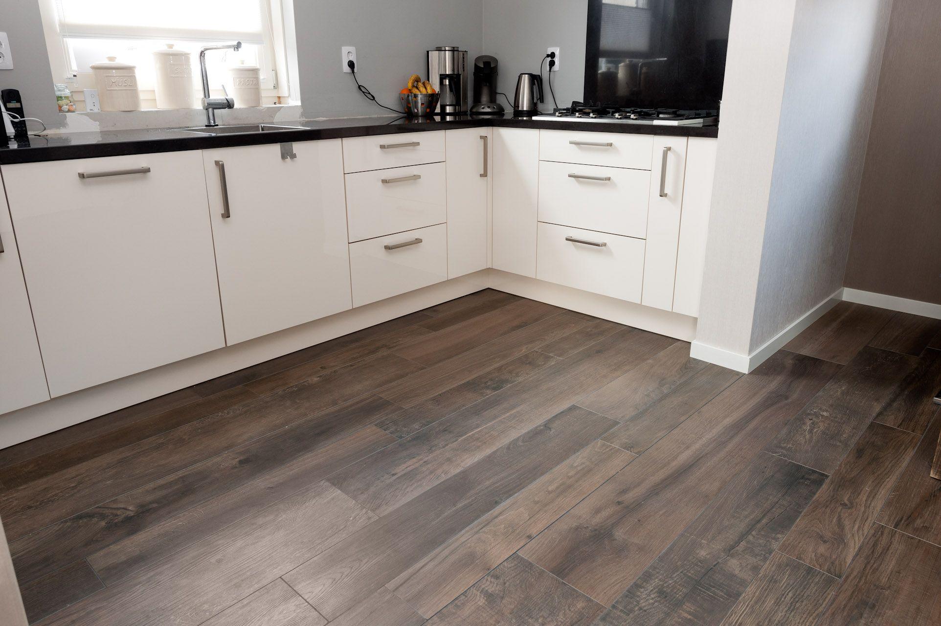 vloertegels houtlook - Google zoeken   Keukens   Pinterest   Villas ...