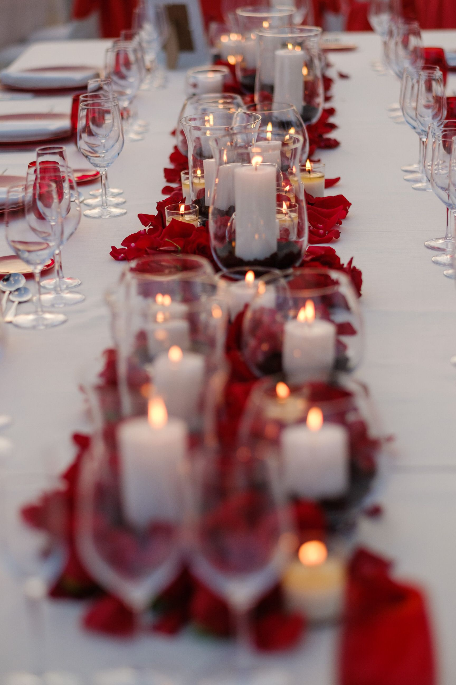 Red Roses & Candles For A Classic Elegant Look