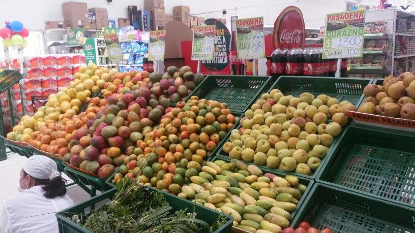 Frutas sólo colombianas, texturas, sabores y colores diferentes.