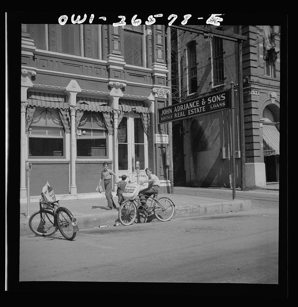 Galveston, Texas. Newspaper delivery boys (With images