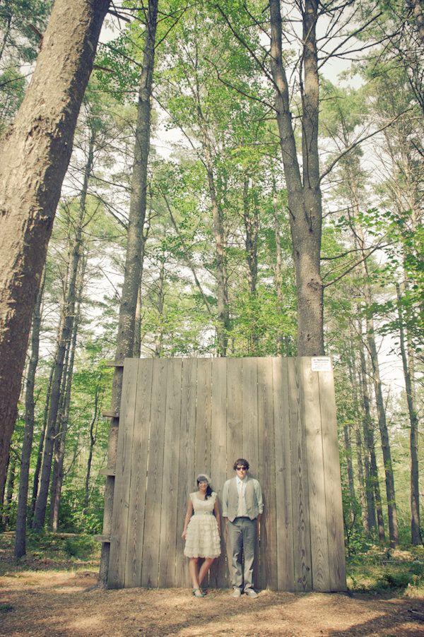 Another photobooth Wooded Backdrop idea. #treswedding #backyardwedding