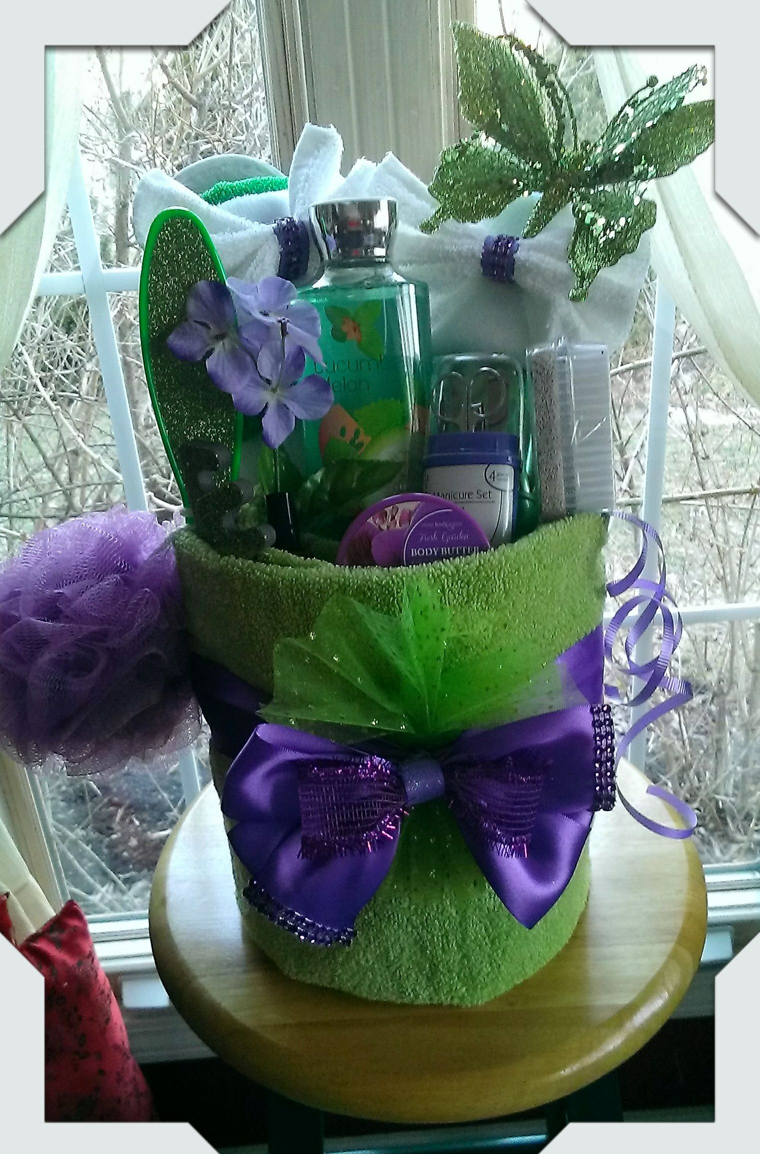 Towel Spa Gift Basket Made By Norma S Unique Gift Baskets 45 Bathroom Gifts Unique Gift Baskets Diy Spa Gifts