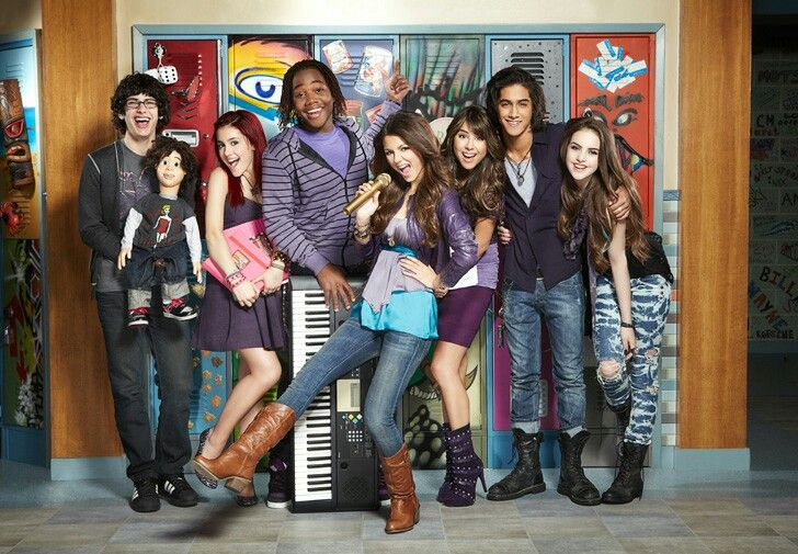 Trina Vega Cat Valentine Beck Oliver Andre Harris Jade West Robbie Shapiro Victorious Cast Victorious Nickelodeon Victorious
