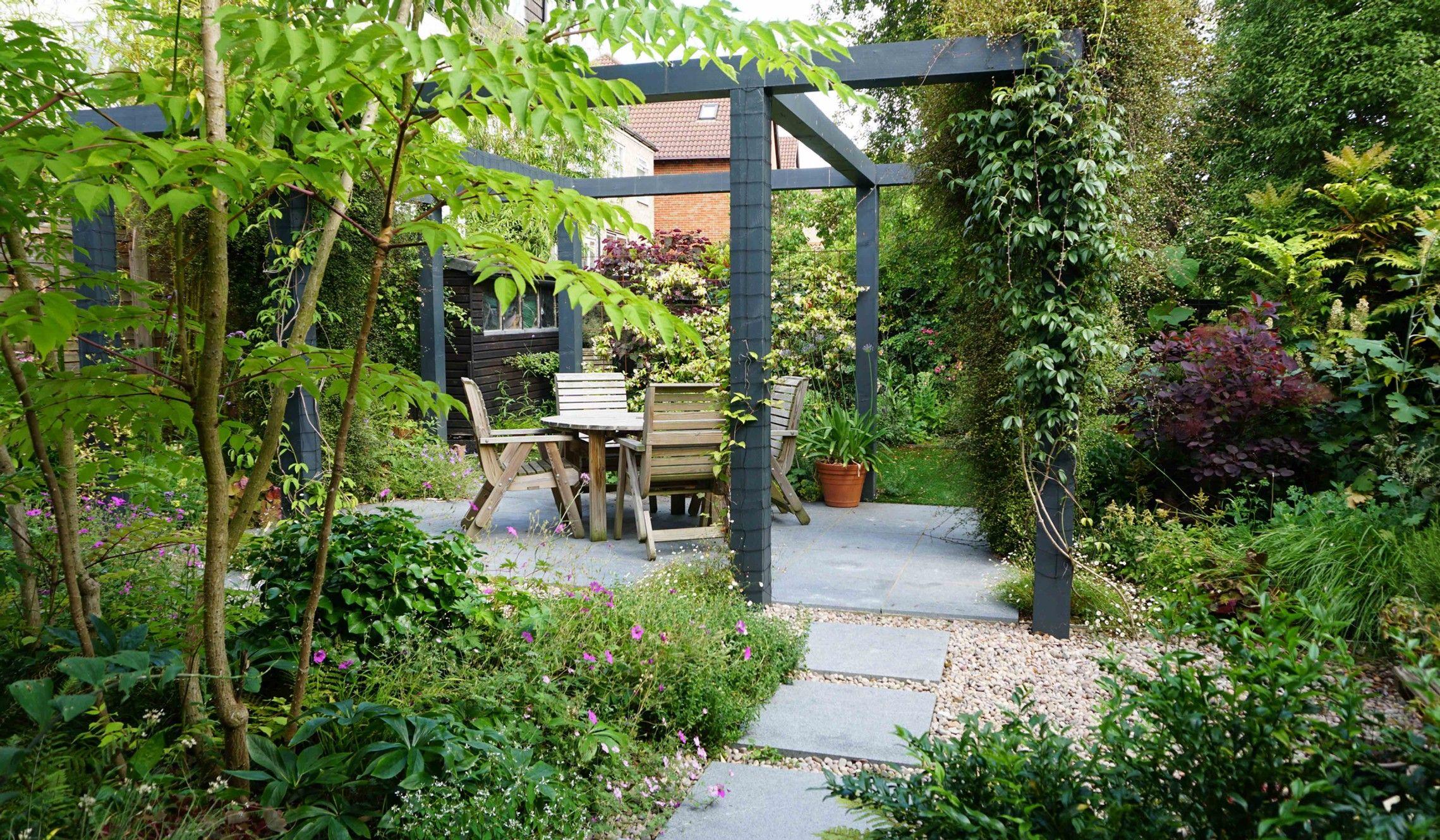 Planting Designs And Ideas For Seaside Low Maintenance Gravel Gardens Pergola Garden London Garden Garden Design