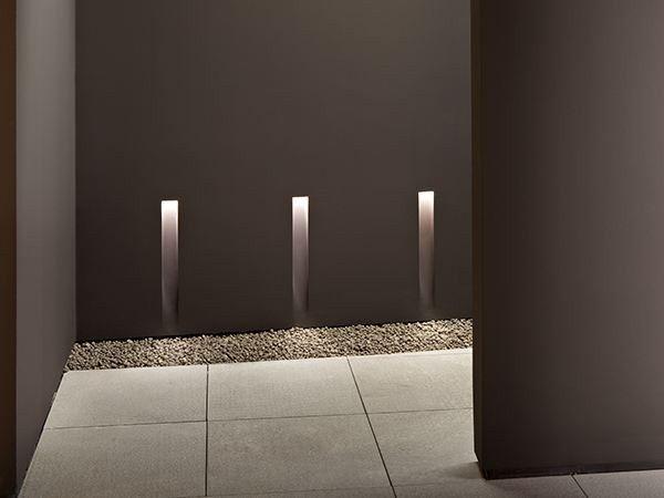 Lampe de balisage led murale en aluminium vertical light small by
