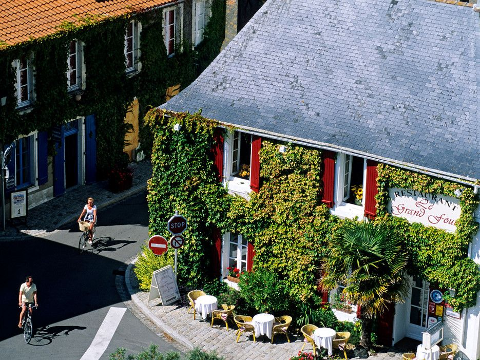 Most regular visitors to Noirmoutier—60 miles from Nantes, across a short toll bridge—rent a house or own one, preferably in the beautiful Bois de la Chaize or in one of the more modest villages on the ocean side. Hotels are neither abundant nor luxurious. The Hôtel du Général d