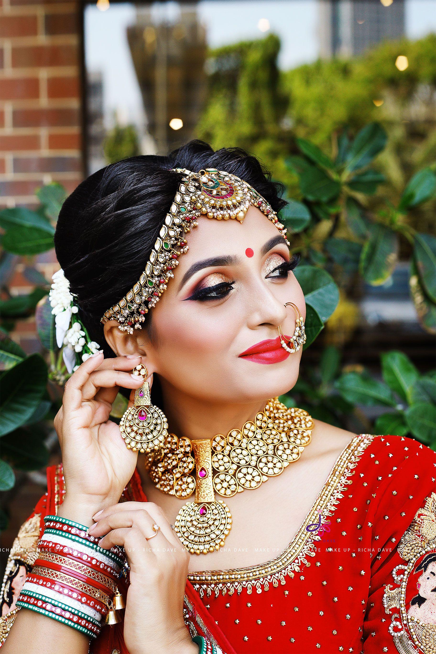 Another Glimpse Of Bride Model At Mumbai Seminar And Workshop Mumbai Makeup Richa Dave Hairs Indian Bridal Hairstyles Indian Bridal Makeup Bridal Makeover