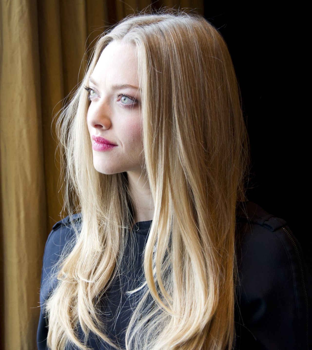 Amanda Seyfried Les Miserables photocall in London December 2nd