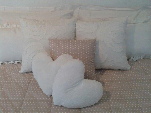 Biancheria da letto...disegnata e realizzata nella nostra sartoria♡