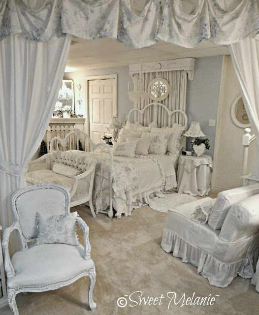 50 Cool And Creative Shabby Chic Dining Rooms: Gorgeously Feminine Bedroom Decorated In The Softest Blue