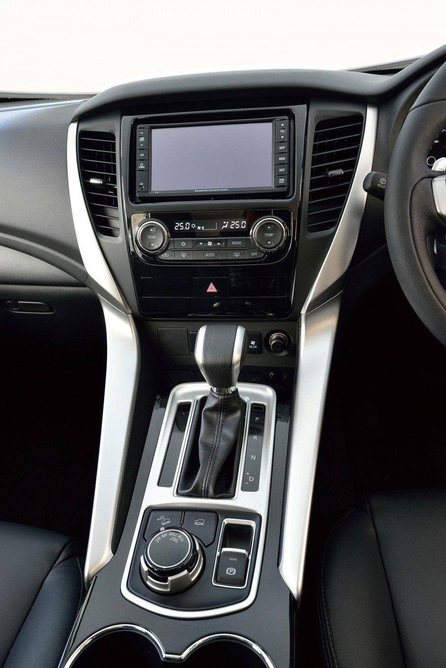 2016 Mitsubishi Pajero Sport Officially Unveiled