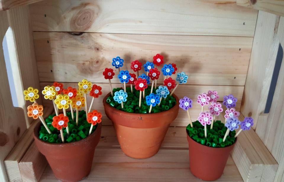 Kwiaty Doniczki Koraliki Pyssla Hama Diy Wiosna Spring Ozdoba Dekoracja Hamma Beads Ideas Hama Beads Planter Pots