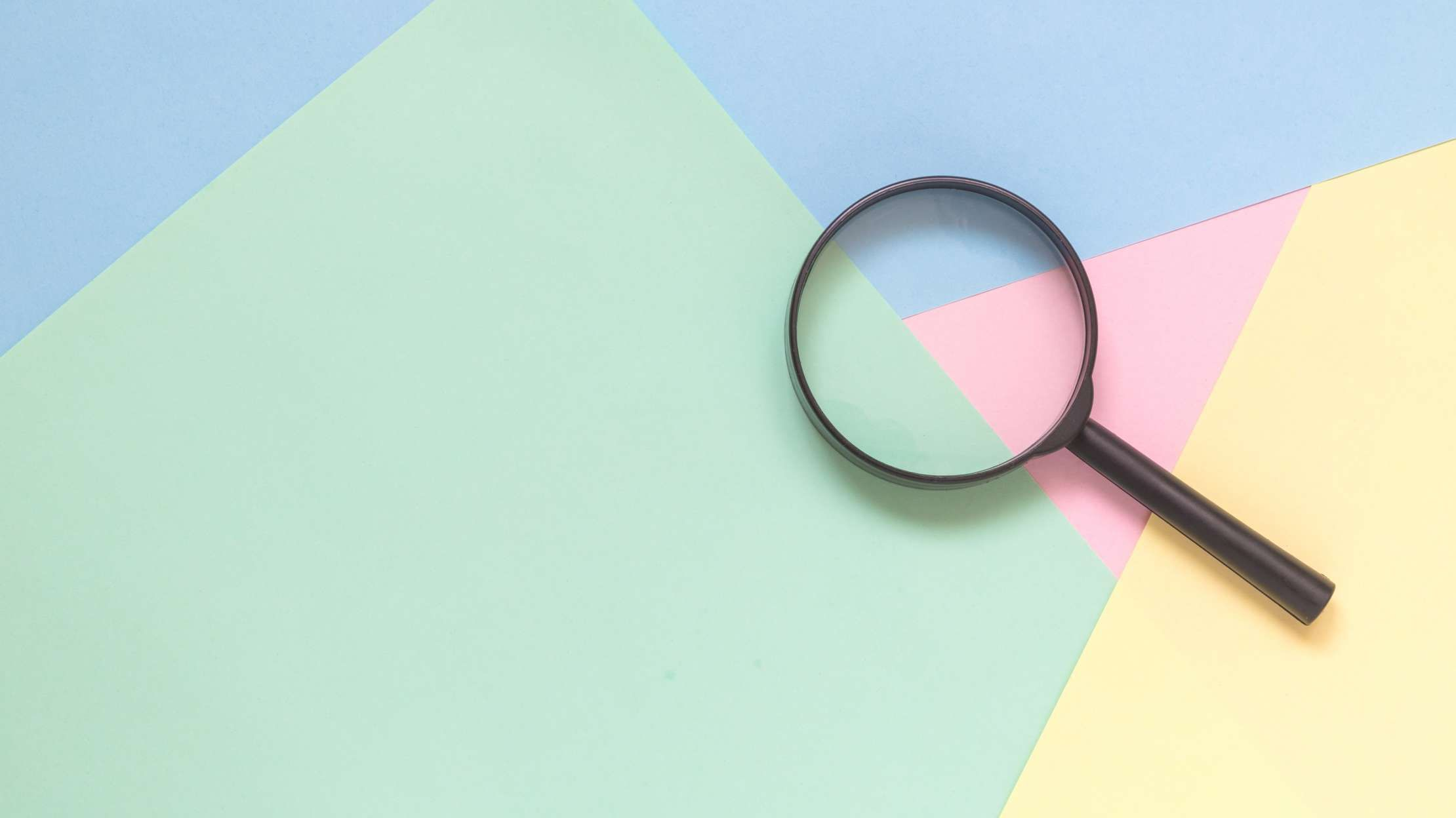 How to use the iphones hidden magnifying glass feature