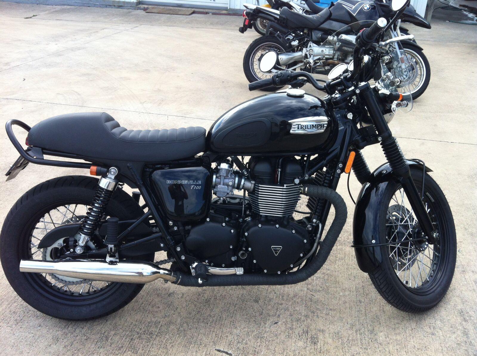 Triumph Bonneville T100 Black with British Customs Cafe ...
