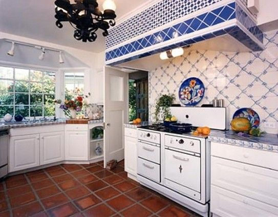 French country kitchen decor ideas with blue and white for Blue kitchen wallpaper