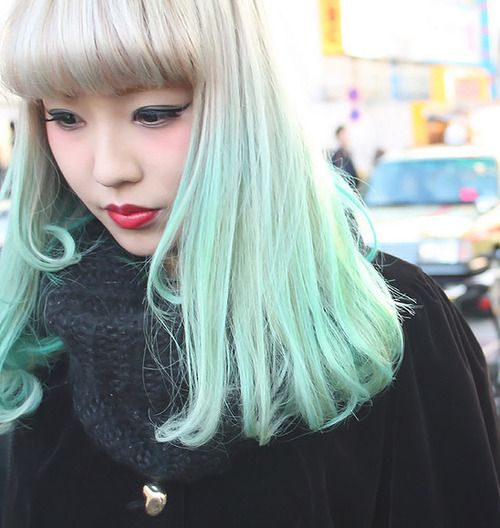 Once My Hair Grows Out A Bit I Want To Do Some Colored Tips Like This Maybe Natural Red On Top Pink On Bottom Pastel Green Hair Green Hair Mermaid Hair
