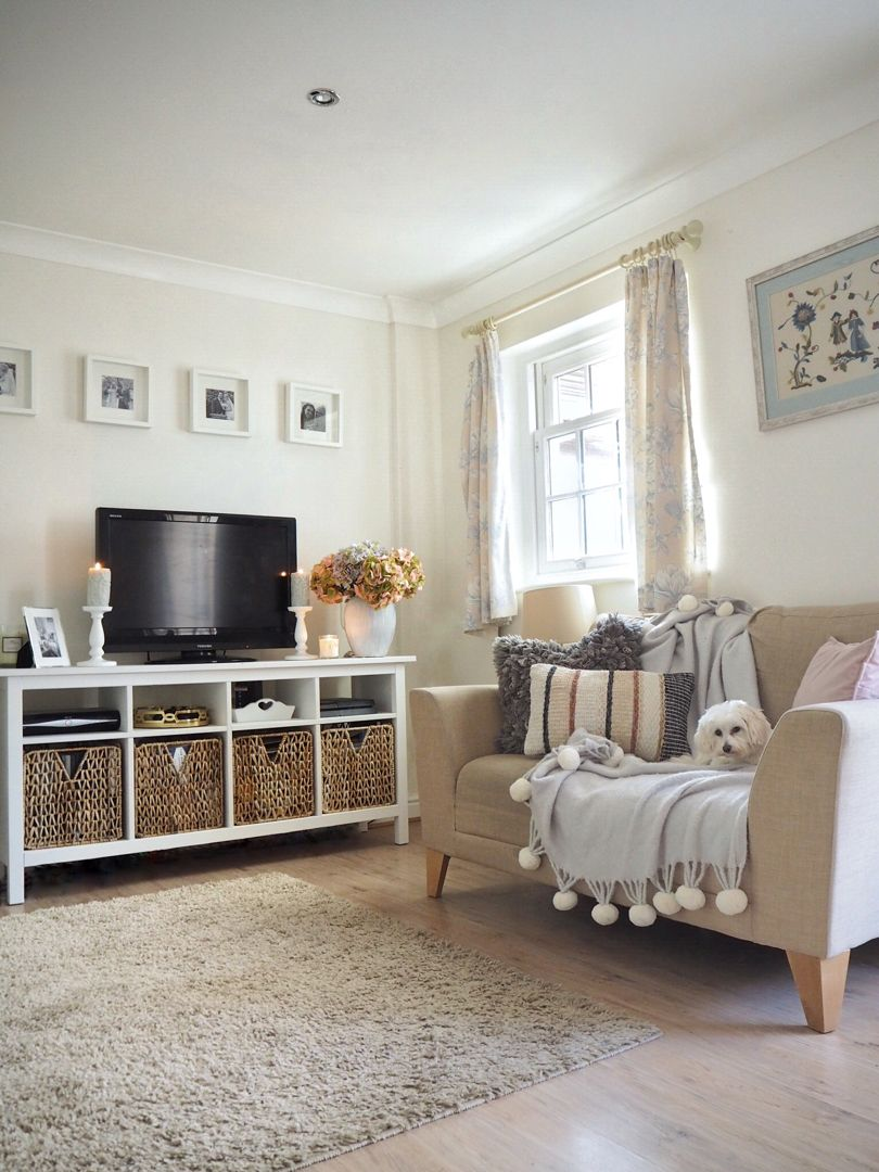 Neutral Living Room With Ikea Hemnes Tv Stand And Boho Accessories Ikea Hemnes Living Room Living Room Decor Neutral Neutral Living Room