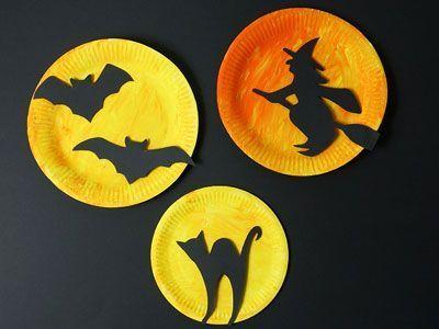 Originelle Halloween Deko aus Papptellern basteln - Anleitung #toddlerhalloween